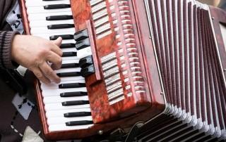 c64_accordion1